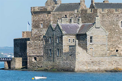 Photograph of Blackness castle taken from the sea
