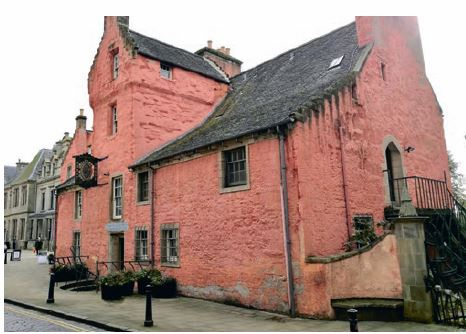Abbot House, Dunfermline: detailing issues are causing staining and